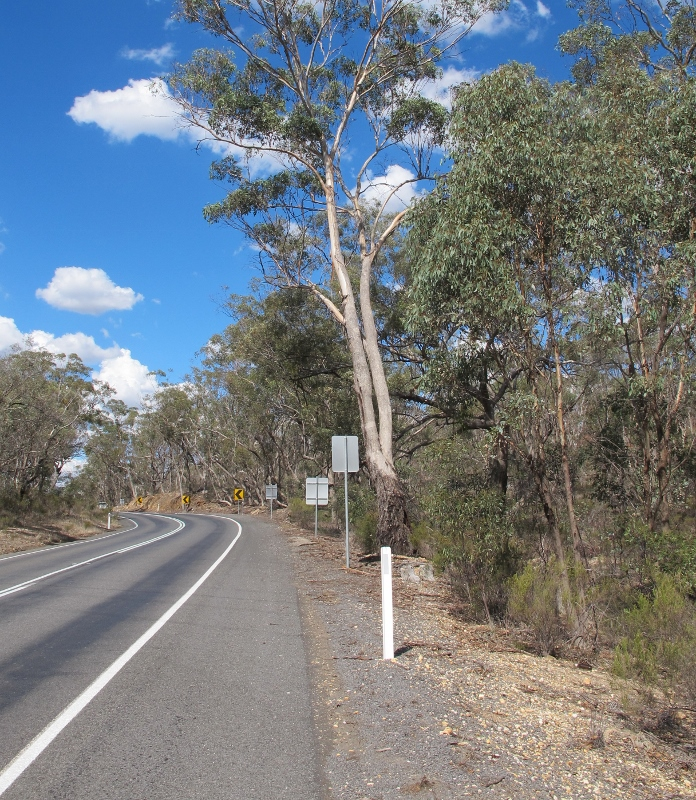 Pyrenees Highway between Newstead and Green Gully: is this stretch of road safer at speed than the Midland?
